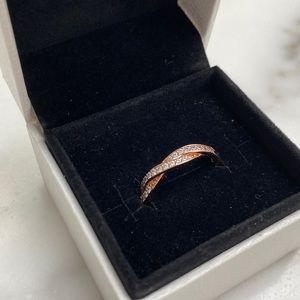 Pandora Rose Gold Ring Sparkling Twisted Lines
